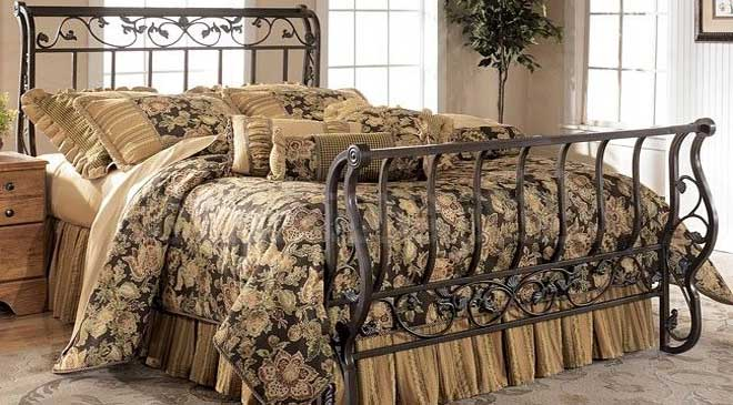 wrough iron sleigh bed
